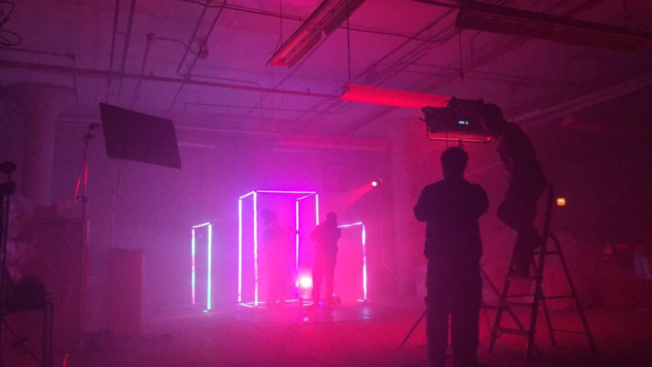 set design towkio music video sonidos