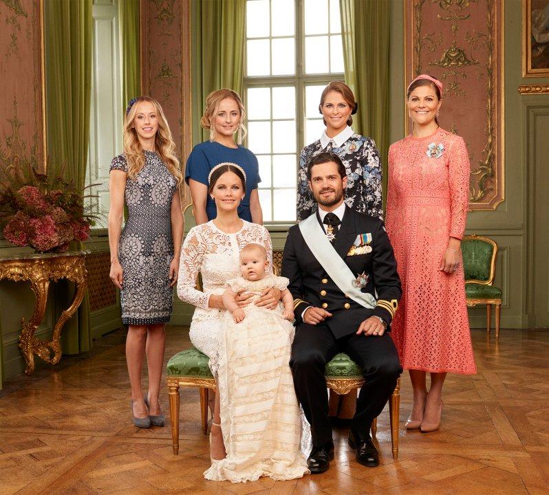 Prinz Alexander mit seinen Eltern und seinen Tanten  Foto: Kungahuset, Mattias Edwall