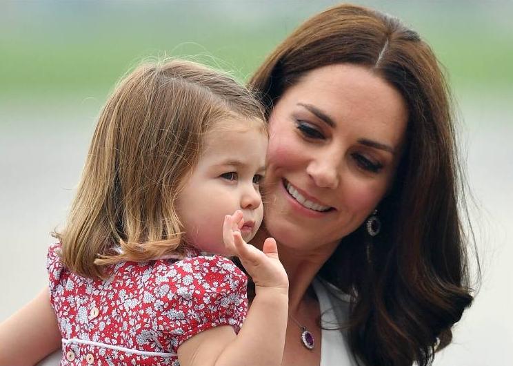 Herzogin Kate genießt das Familienleben mit ihren Kindern in vollen Zügen.  ©imago/i Images