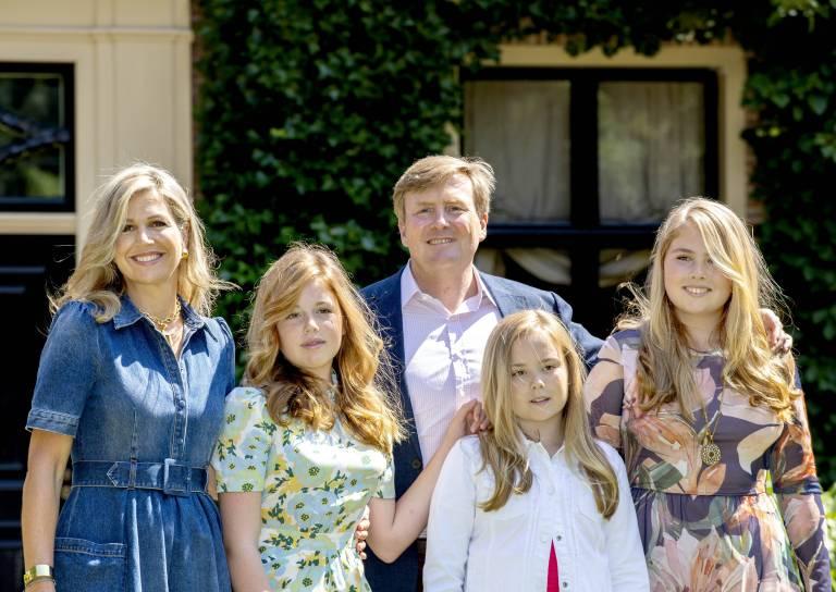 König Willem-Alexander weiß selbst, was es bedeutet im Scheinwerferlicht aufzuwachsen. Deswegen hat er seinen Töchtern einen wichtigen Rat gegeben.  ©imago