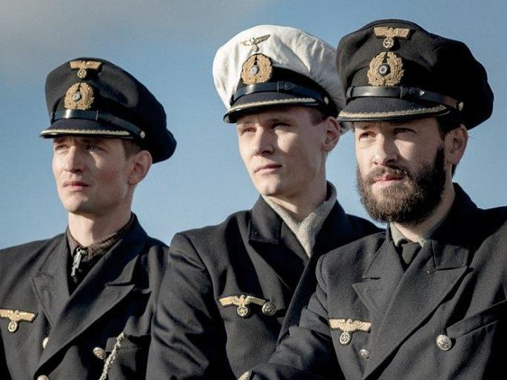 """August Wittgenstein, Rick Okon und Franz Dinda (v.l.) in der neuen Serie """"Das Boot"""". ©obs/Sky Deutschland/Nik Konietzny"""