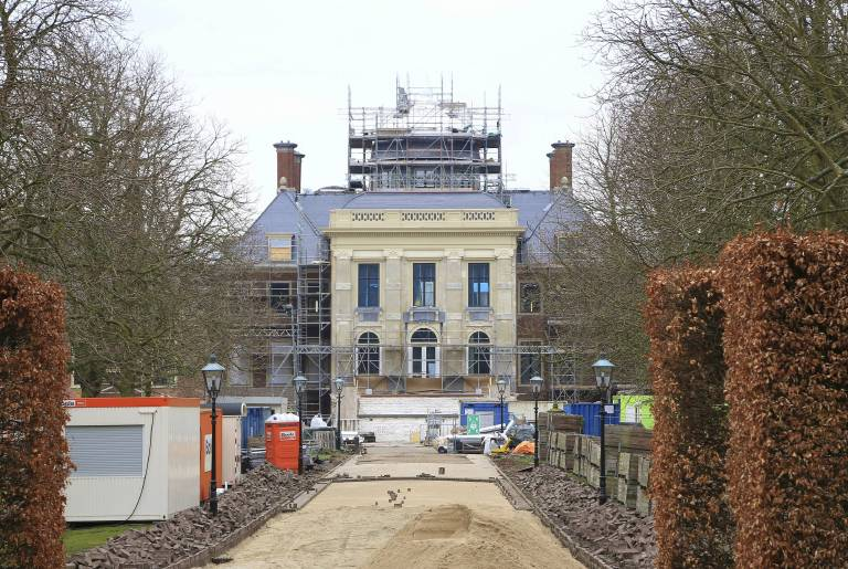 Drei Jahre wurden die aufwendigen Renovierungsarbeiten an Schloss Huis ten Bosch durchgeführt. Im Frühjahr soll der neue Wohnsitz komplett renoviert sein.  ©imago