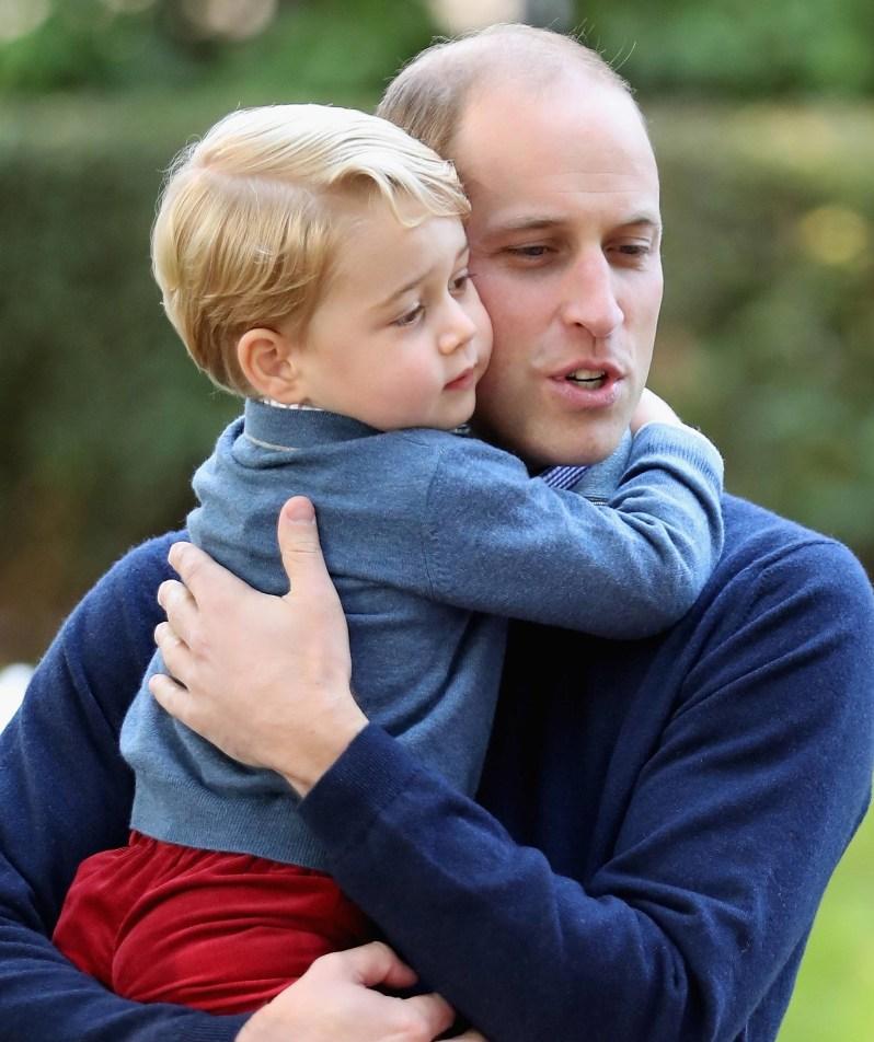 Die schrecklichen Erlebnisse konnte Prinz William auch zu Hause nicht abschütteln. Offenbar spürten auch seine Kinder, dass etwas mit ihrem Papa nicht stimmt.  ©imago/i Images