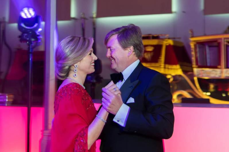 2002 heiratete König Willem-Alexander seine Maxima. Bis heute tanzen sie gemeinsam durchs Leben.  © RVD, Jeroen van der Meyde