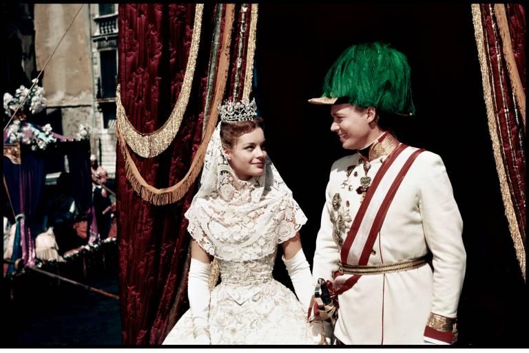"""Kaiserin Elisabeth und Kaiser Franz Joseph wurden in """"Sissi"""" von Romy Schneider und Karlheinz Böhm verkörpert.  ©imago images / Prod.DB"""