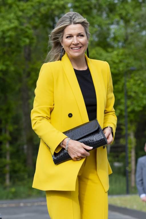 """Zu dem Termin von """"Make a Wish"""" kam Königin Maxima in einem gelben Hosenanzug der Marke """"Zara"""". ©imago images / PPE"""