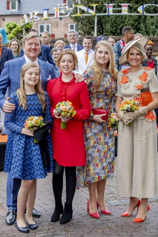 Eine Familie mit Showtalent: Während die Töchter vom niederländischen Königspaar gerne singen, liebt es Maxima zu tanzen.  ©imago images / PPE