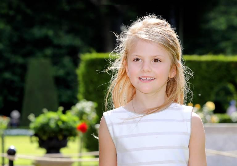 Eines Tages wird Prinzessin Estelle die Königin von Schweden werden. Schon jetzt wird die Grundschülerin auf diese Rolle vorbereitet.  ©imago images / PPE