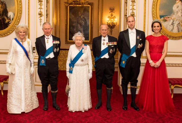 Mordanschläge, ein Lawinenunglück und Beinahe-Abstürze – die britische Königsfamilie hatte viele Schutzengel.  © imago images / i Images