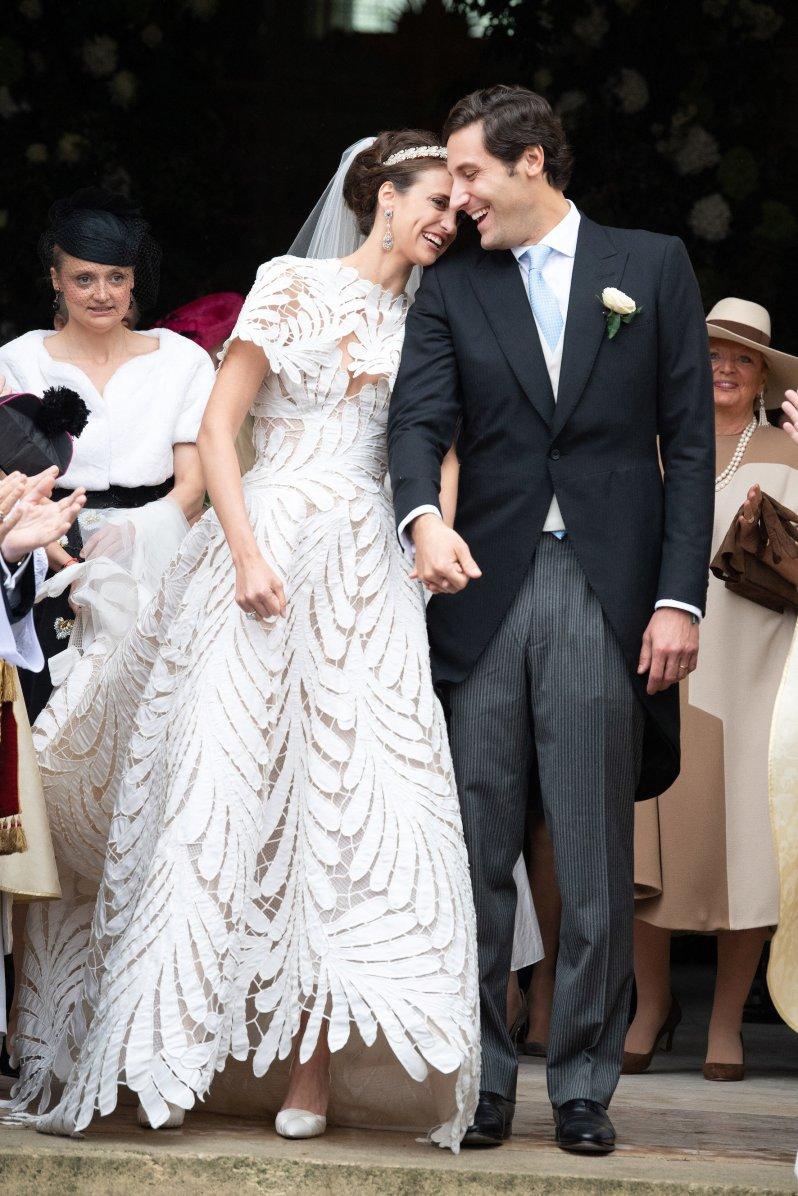 """Olympia von Arco-Zinneberg trug ein außergewöhnliches Brautkleid von """"Oscar de la Renta"""".  © picture alliance / abaca"""