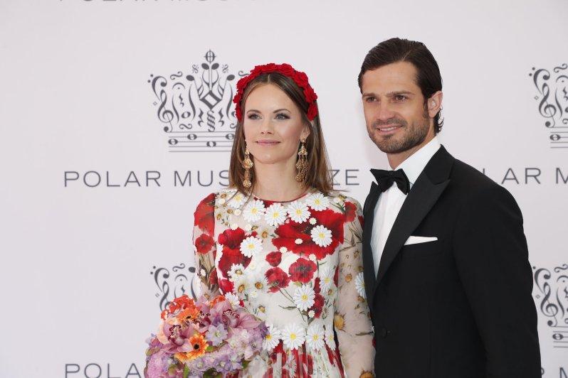Prinzessin Sofia und Prinz Carl Philip wollen bei einem Gedenkkonzert an Star-DJ Avicii erinnern.  © picture alliance/TT NEWS AGENCY