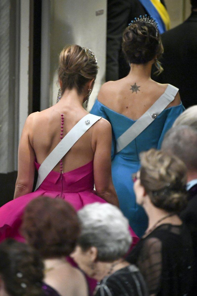 Prinzessin Sofia zeigt ihr auffälliges Rücken-Tattoo. Auch andere  Royals haben Tätowierungen.   © picture alliance/TT NEWS AGENCY
