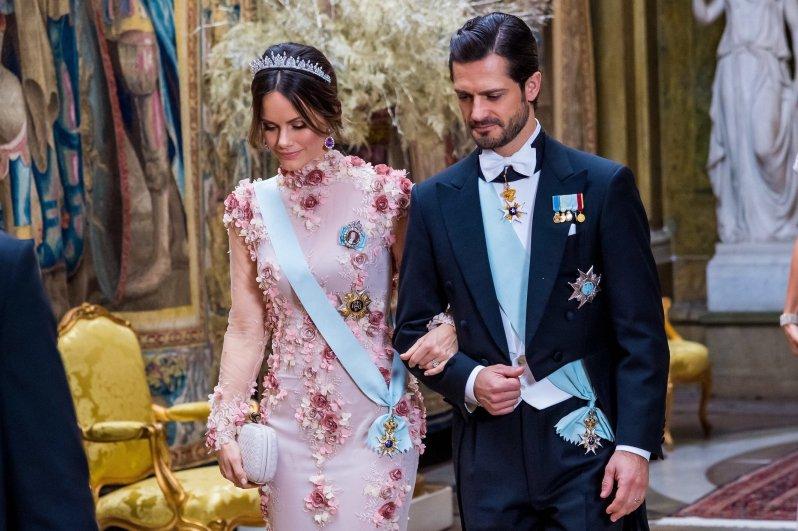 Rosige Zeiten für Prinzessin Sofia: In ihrer wunderschönen Robe hat sie sicher nicht nur Ehemann Carl Philip von Schweden gefallen.  © picture alliance/DPR
