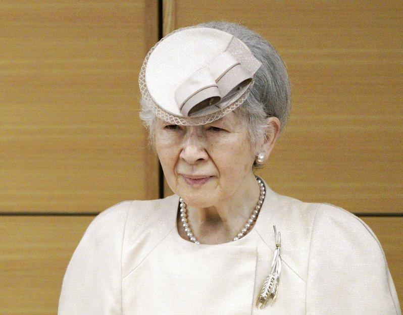 Michiko von Japan ist gesundheitlich stark angeschlagen. Nun spuckt die 85-Jährige sogar Blut.  © picture alliance / AP Photo