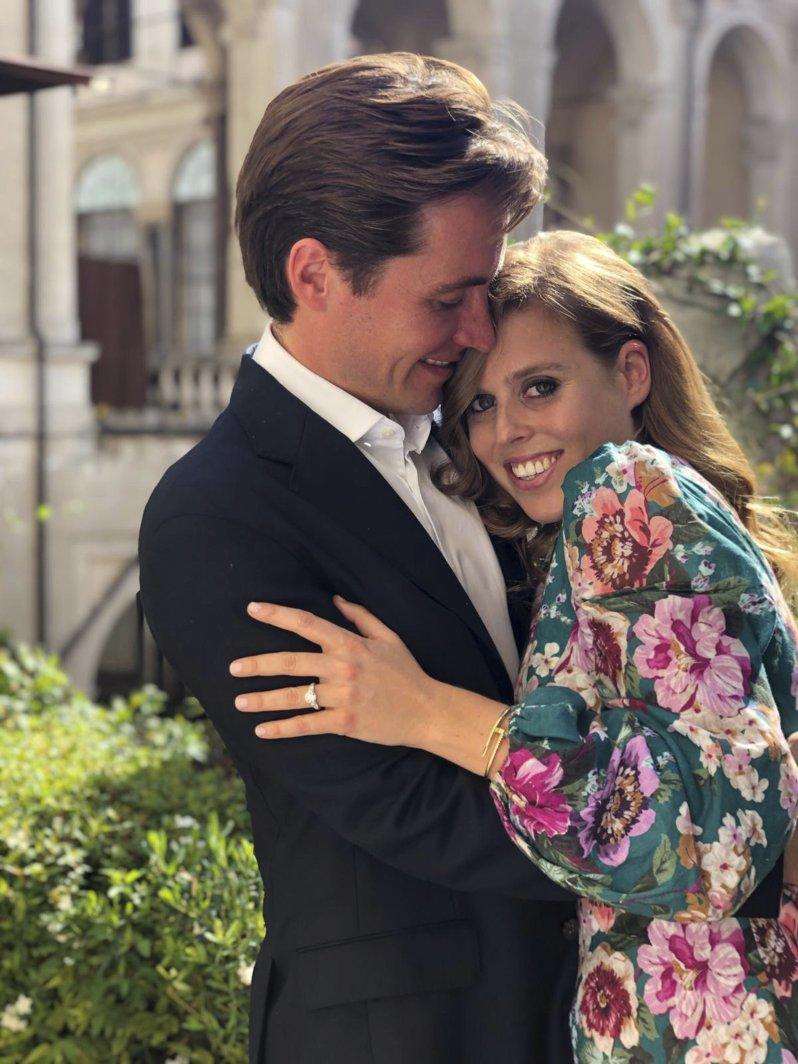 Prinzessin Beatrice wird 2020 ihren Verlobten Edoardo Mapelli Mozzi heiraten. Ob Prinz Andrew am großen Tag seiner Tochter dabei sein darf, ist aktuell fraglich.  © picture alliance / Photoshoot