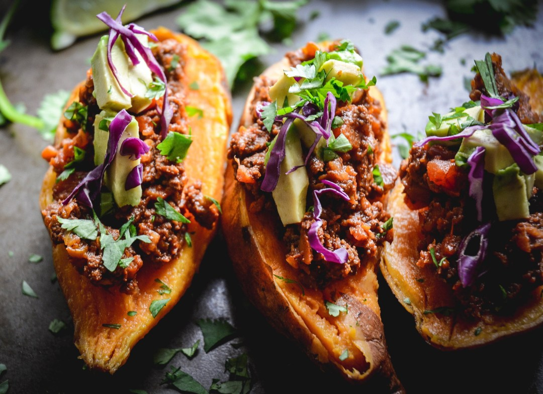 sweet potatoes with cilantro and stuffed with chili