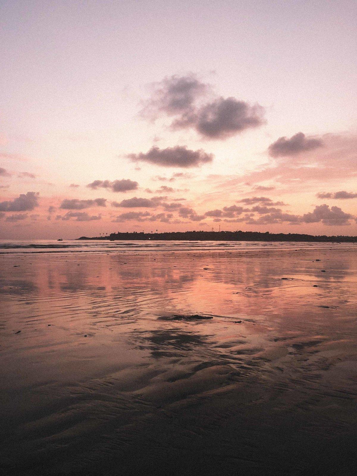 Versova Rock Beach. September 2018. By Khandiz Joni