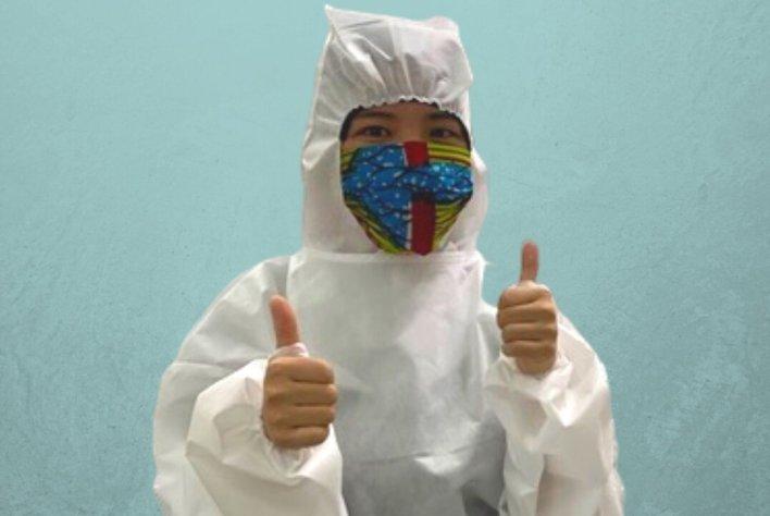 Kenyataan gambar: Yayasan AirAsia bekerjasama dengan Batik Boutique untuk menghasilkan PPE dan topeng muka untuk dijual di DestinationGOOD.com