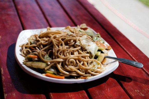 Chungee's Veggie Chow Mein, Capitol Hill, Seattle. ISO 200 |f2 |1/2000