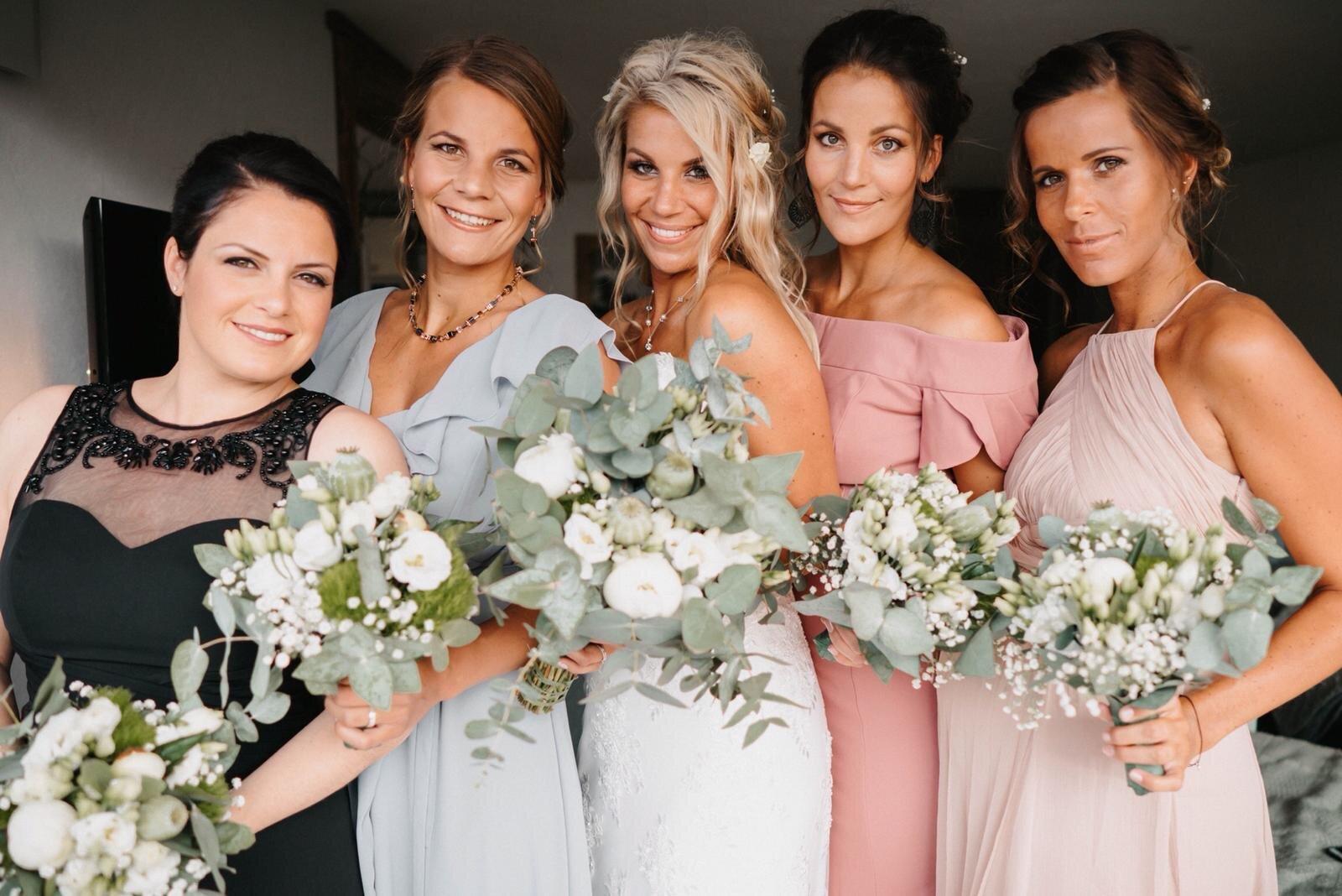 Pin Von Gabi Auf Frisuren In 2020 Turkische Hochzeit