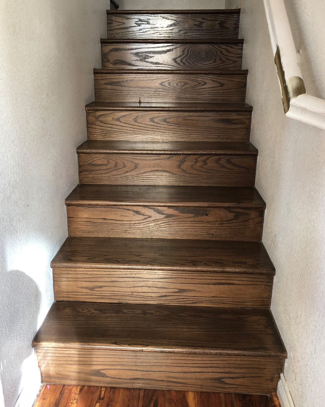 How To Paint Wood Stairs With Chalk Paint — Bb Frösch   White Stairs With Wood Steps   Light Wood   White Riser   Outdoor   Dark   Traditional
