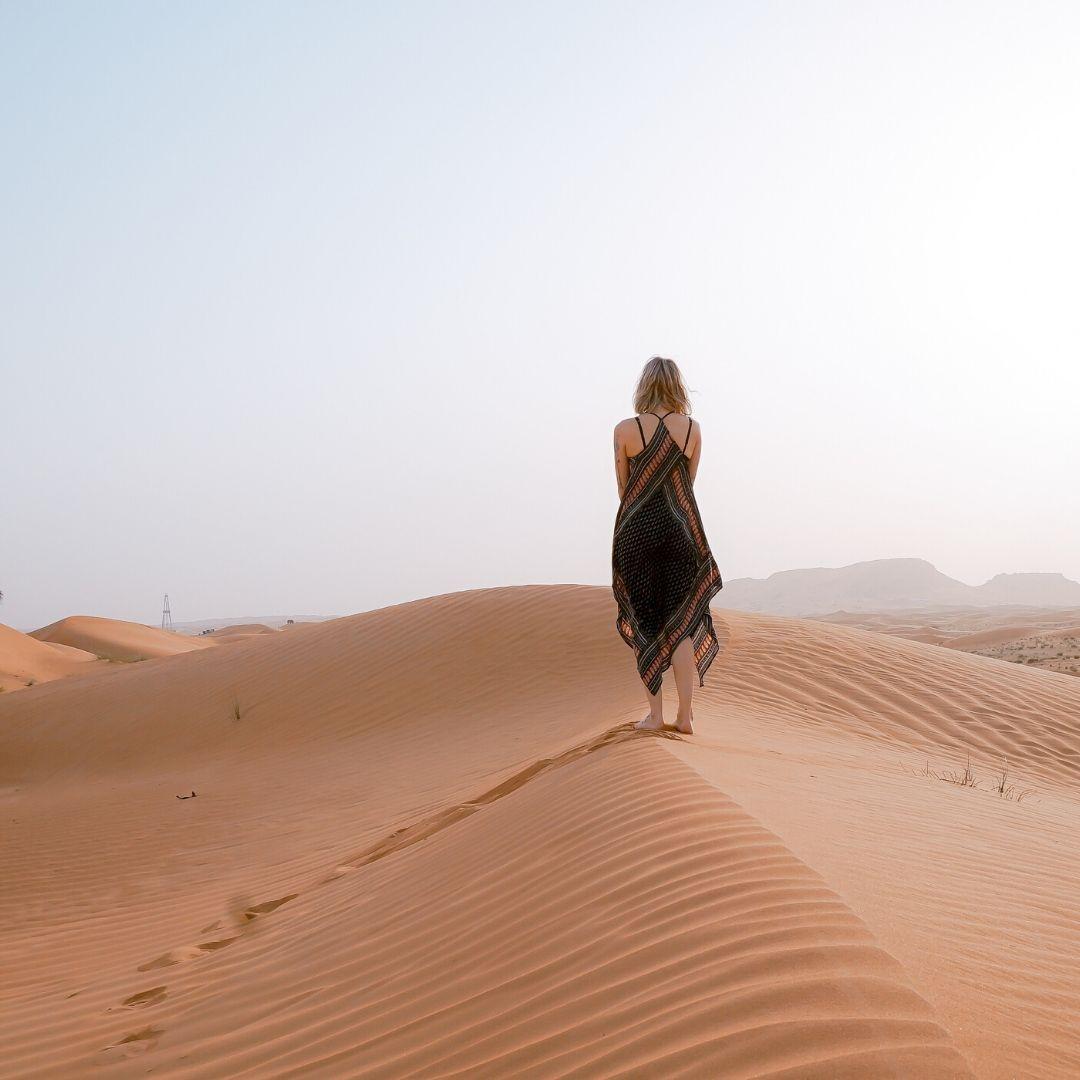 Alone girl walking WhatsApp Dp full HD free download.