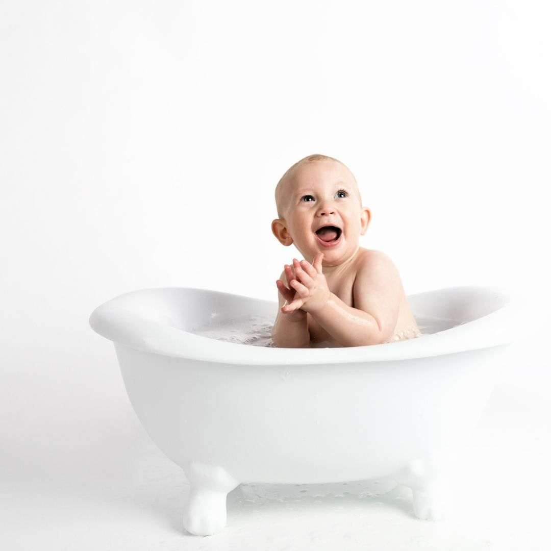 Cute baby in Bath tub WhatsApp Dp Image full HD free download.