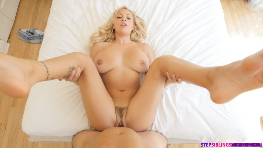 StepSiblingsCaught.com - Kylie Page: Step Sister Swallows Warm Cum - S6:E6