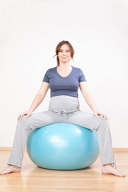 Nâng niu đôi chân khi mang thai, Bà bầu, doi chan ba bau, chan soc ba bau, mang thai, mang bau, bao phu nu,