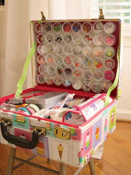 Ý tưởng độc đáo làm đẹp nhà từ những chiếc vali cũ - Archi