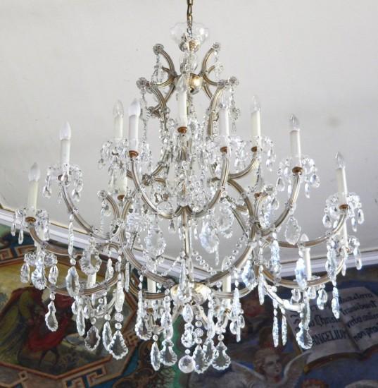 Lưu ý nhỏ khi chọn đèn chùm cho phòng khách - Archi