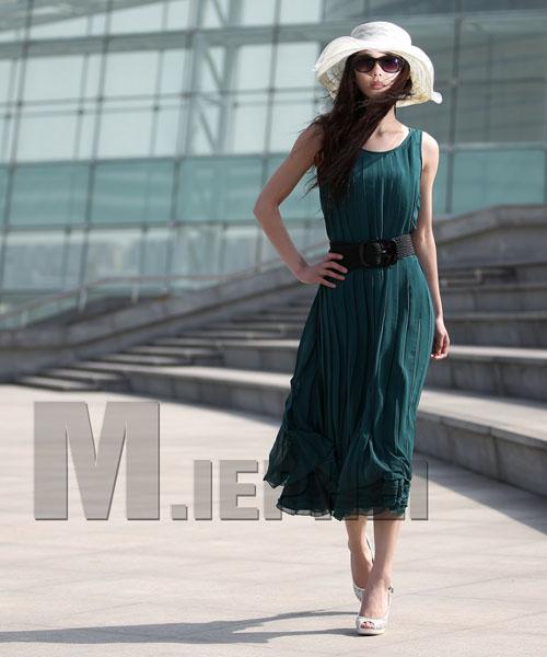 Thướt tha dáng váy dài