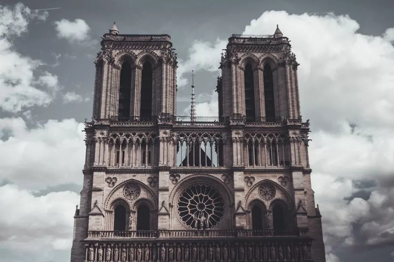 We (a small group of 3) were in Paris for only 48 hours from the time we landed in the afternoon to the morning of our flight. Since we only had a limited time and so much to see, we literally ran through Paris. We were able to see much the landmarks surprisingly.