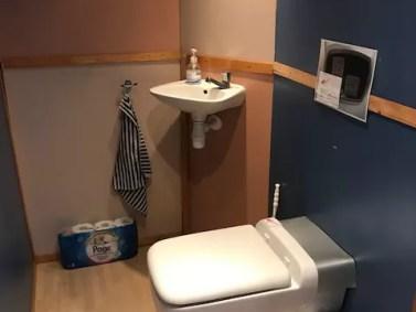 Ecosave micro-flush toiletten en zuivering op schip. 5