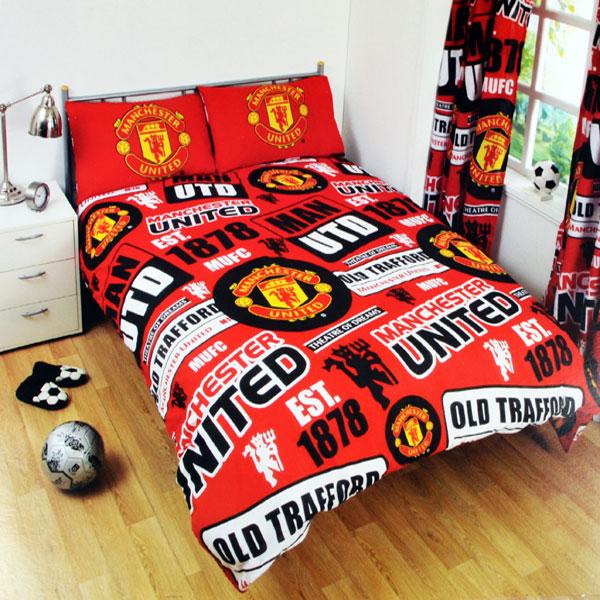 Manchester United Patch Double Duvet Set (Duvet 200cm x 200cm - Pillow Cases 50cm x 75cm) - OS