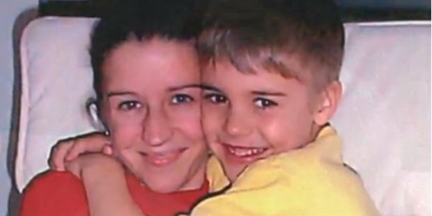 Justin Bieber with his mother