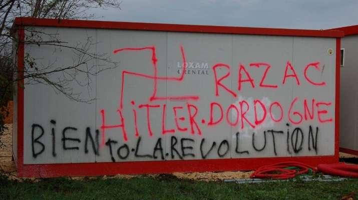 Des tags racistes sur une aire d'accueil des gens du voyage en Dordogne