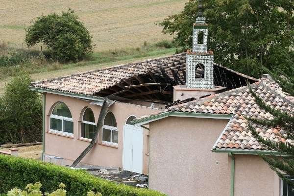 """Mosquée d'Auch : une association musulmane porte plainte pour """"incendie criminel"""""""