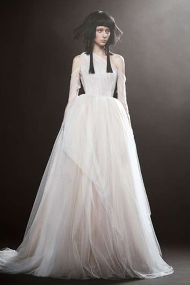 6 Wedding Gowns We D Love To See On Song Hye Kyo