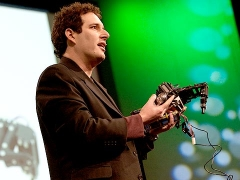 "Hod Lipson builds ""self-aware"" robots"