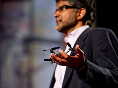 Vijay Kumar: Robots that fly ... and cooperate