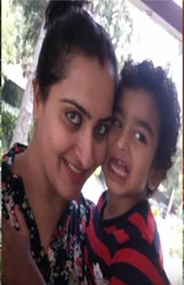 karthika deepam soundarya family photos