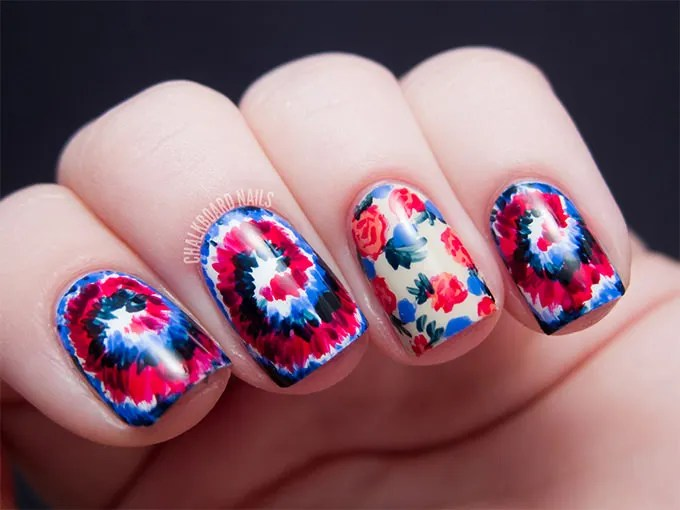 Flower Nail Art Design Like This Would Definitely Require Blue Red Black And White Paints A Sharp Paint Brush First Of All Your Nails