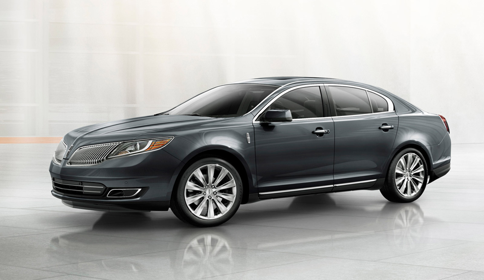 Luxurious features of Lincoln MKS 2014
