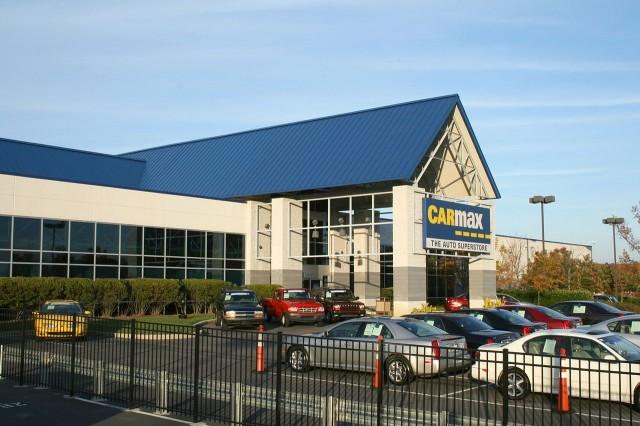 CarMax auto superstore in Raleigh, North Carolina (pic by Ildar Sagdejev)
