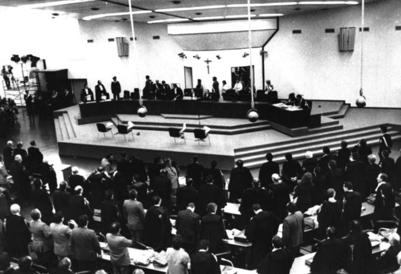 Photo from the famous Maxi trial.