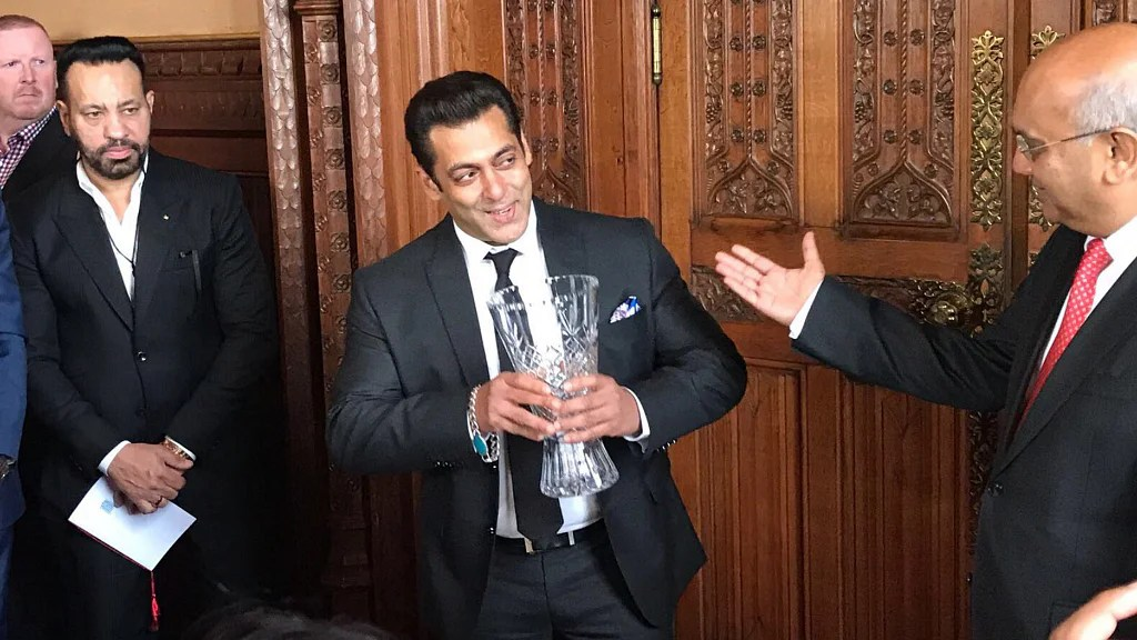 Uk Honours Salman But What S He Smirking About