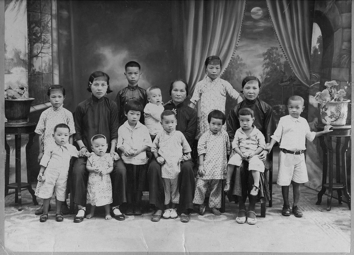 widows and children - Writing the history of Chinese head-tax payers in Canada gives William Ging Wee Dere a sense of self-identity
