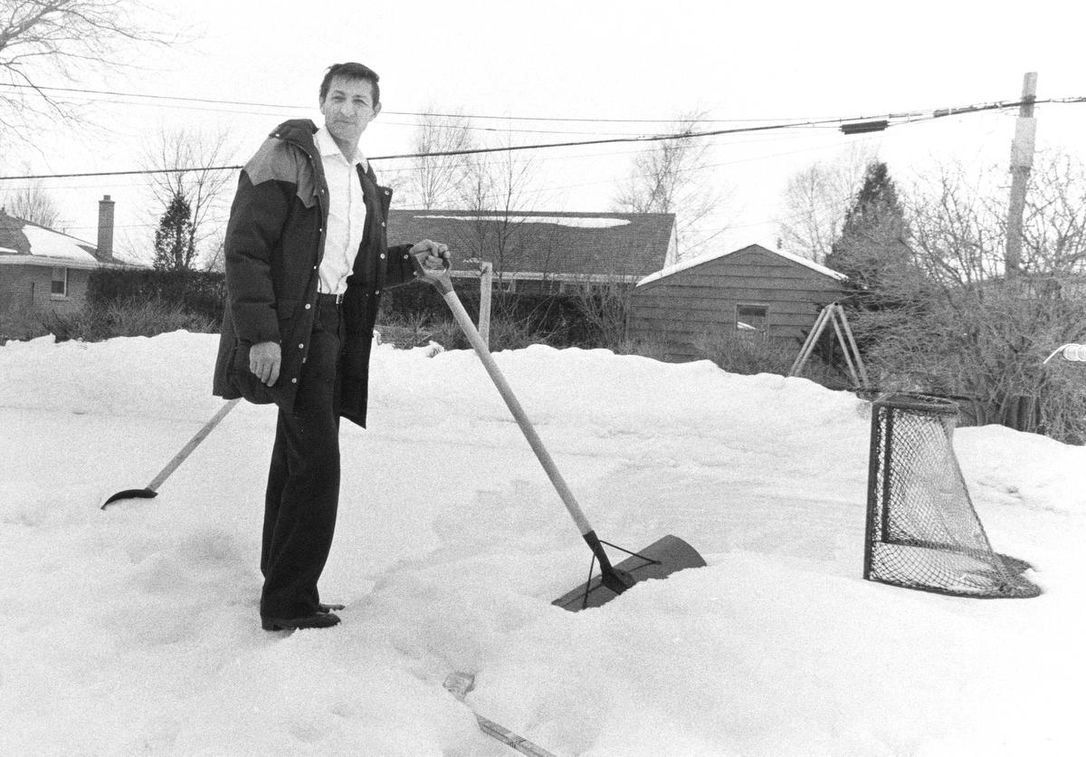 Tales of Walter Gretzky: the iconic backyard rink, Russian party time and  homespun lessons learned | The Star