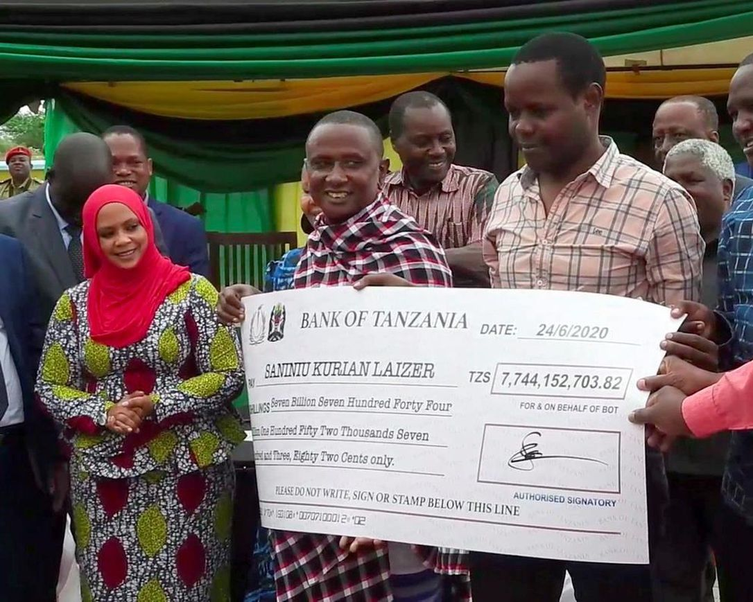 Tanzanian miner is overnight millionaire with large gem find ...